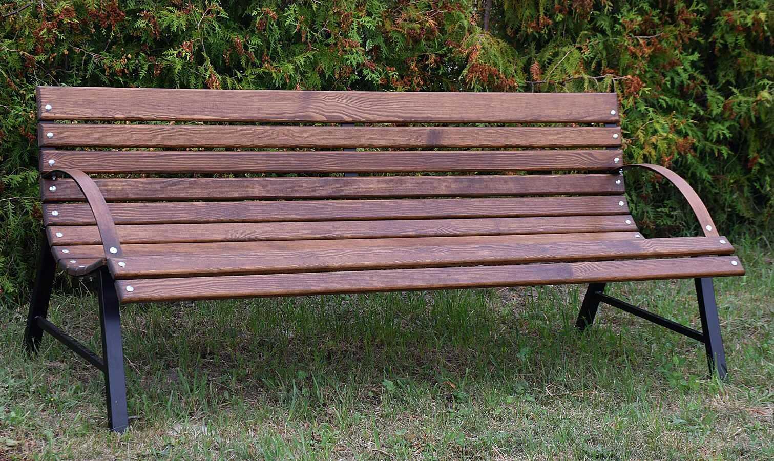 Drewniana ławka tarasowa Wagris 120 cm - orzech