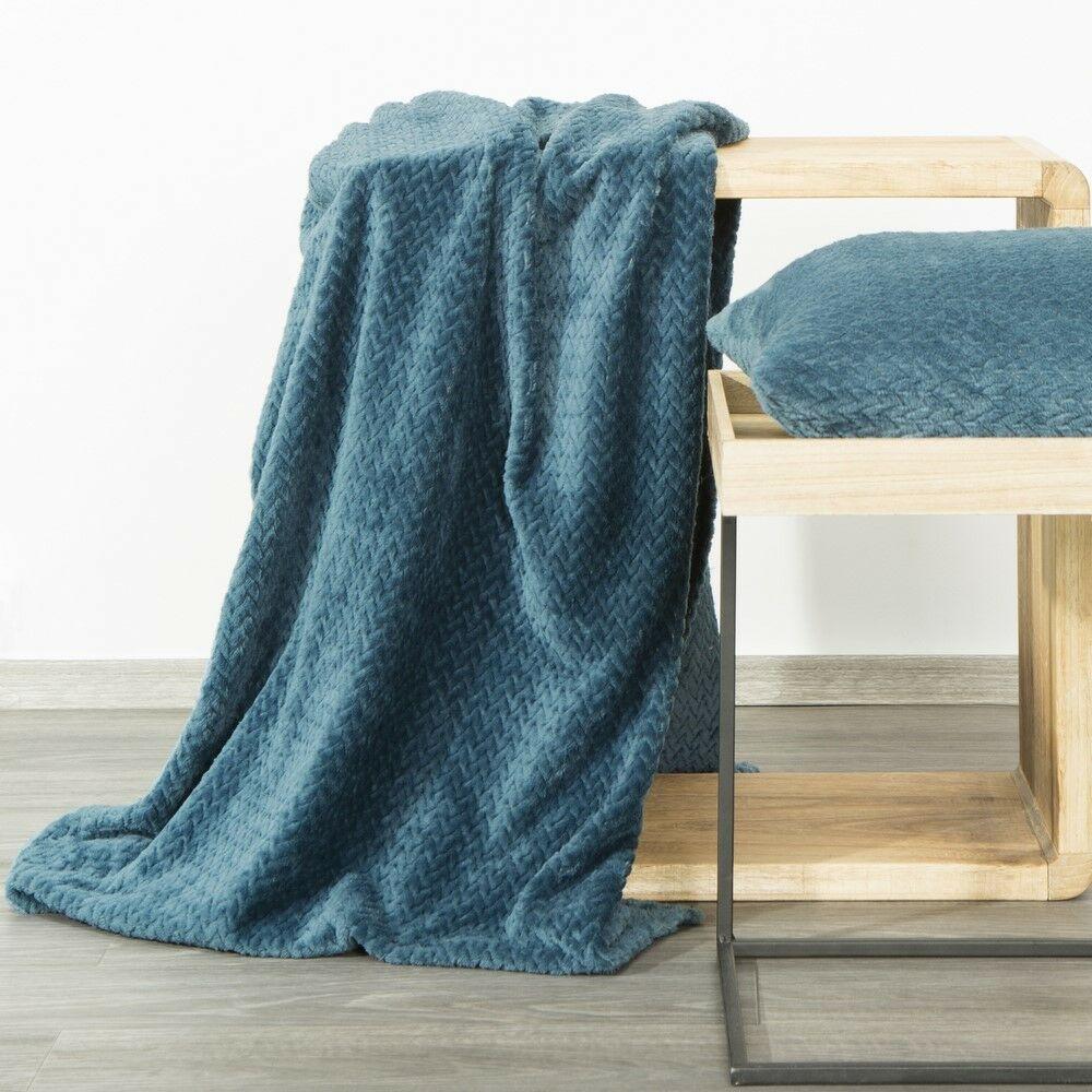 Koc narzuta dekoracyjna na fotel 70x160 Cindy 3 niebieski