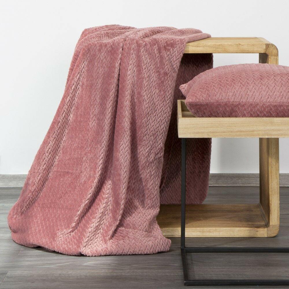Koc narzuta dekoracyjna na fotel 70x160 Cindy 3 różowy