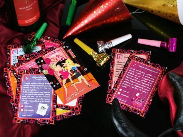 Karty z zadaniami na wieczór panieński w domu - 12 sztuk