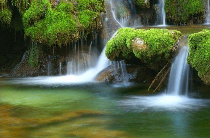 Fototapeta na ścianę - Leśny Wodospad - 175x115 cm