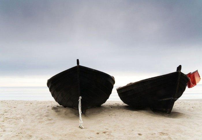 Fototapeta do salonu - Łodzie na plaży - 366x254 cm
